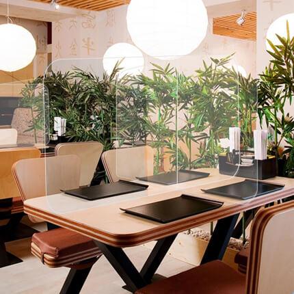 ViewCross Plexi Scherm Horeca - voorbeeld in restaurant
