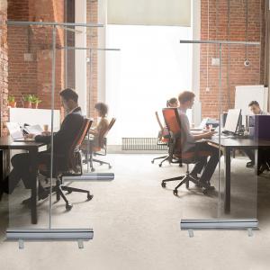 ViewRoll preventie schermen als afscheidingswanden tussen bureau of als coronascherm op kantoor